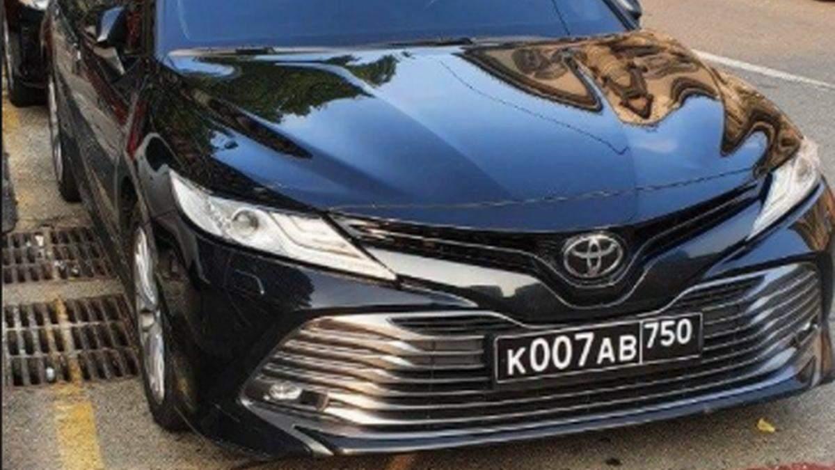 В Киеве заметили авто, которое может принадлежать российским военным