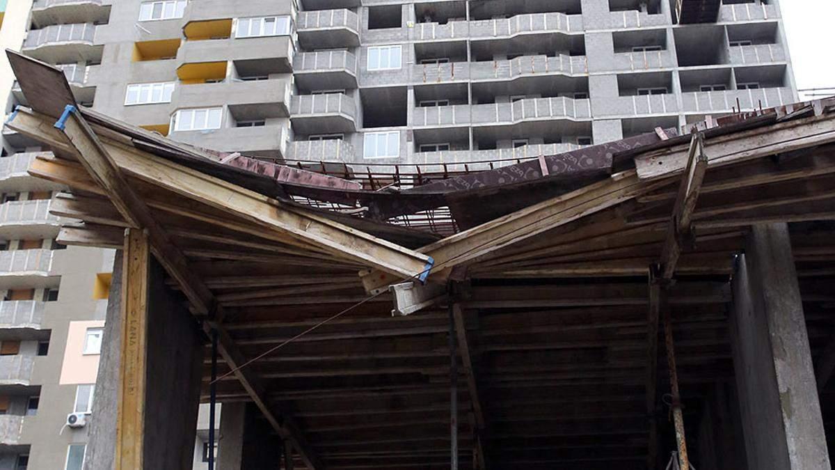 В Киеве власти обещают достроить брошенные застройщиками объекты