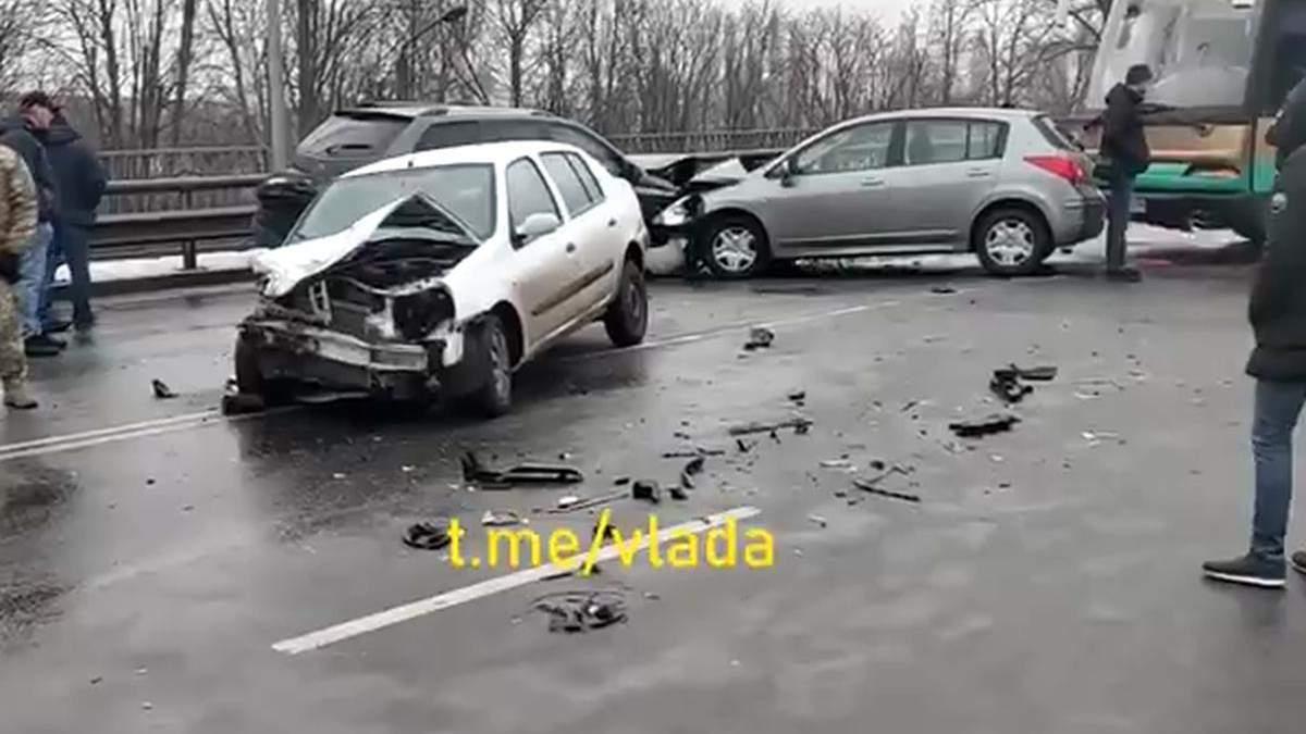 В Броварах произошло масштабное ДТП с участием 9 автомобилей