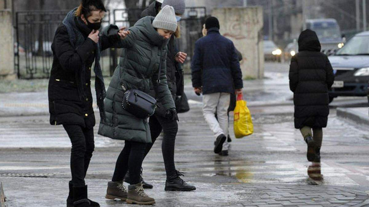 Через неприбрані території у Києві а день оштрафували 150 підприємств