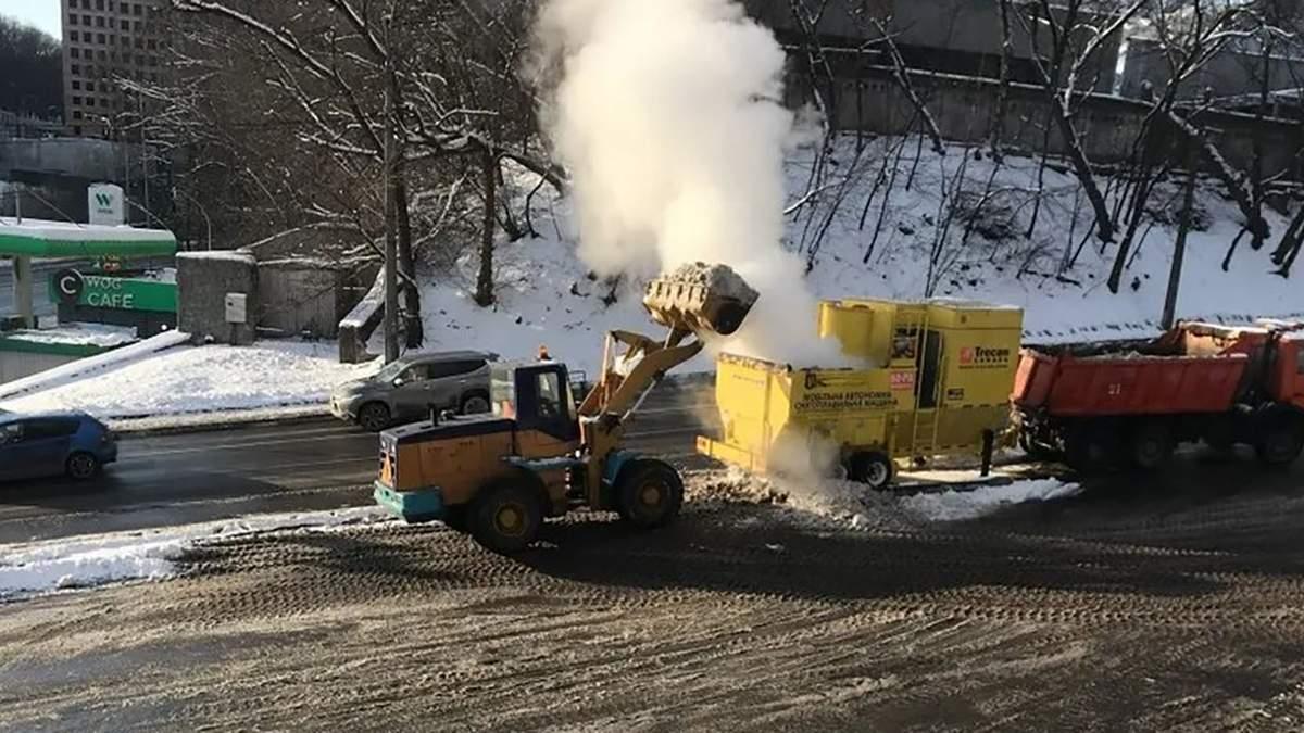 Кличко показал, как в Киеве ликвидируют снег