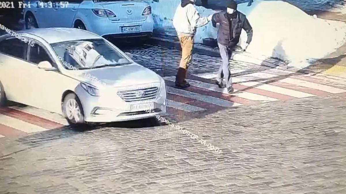 У Києві водій вбив пішохода: ударив його кулаком – відео - Новини