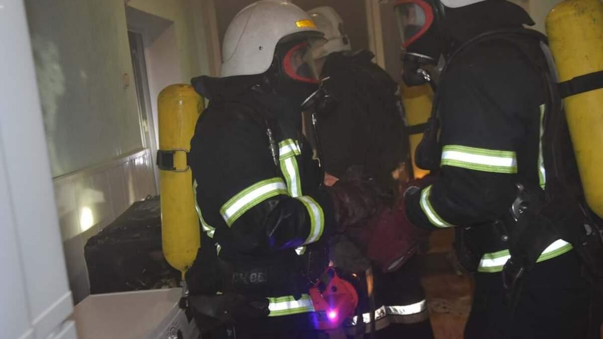 В Киеве горело студенческое общежитие на Космической – новости
