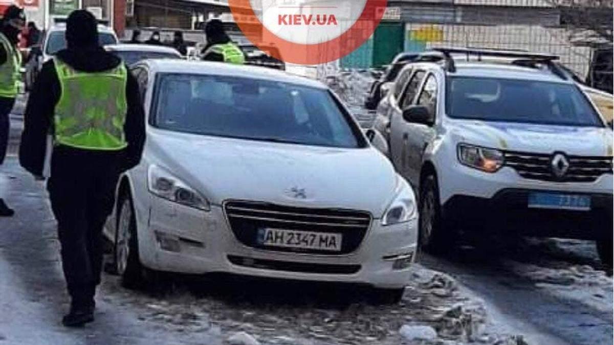 На Борщаговке в Киеве заминировали автомобиль