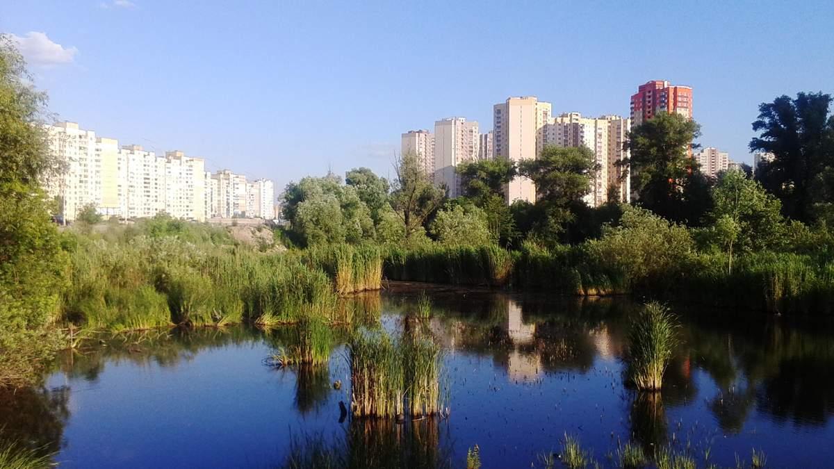 Заради чергової висотки: у Києві знову хочуть знищити озеро Качине