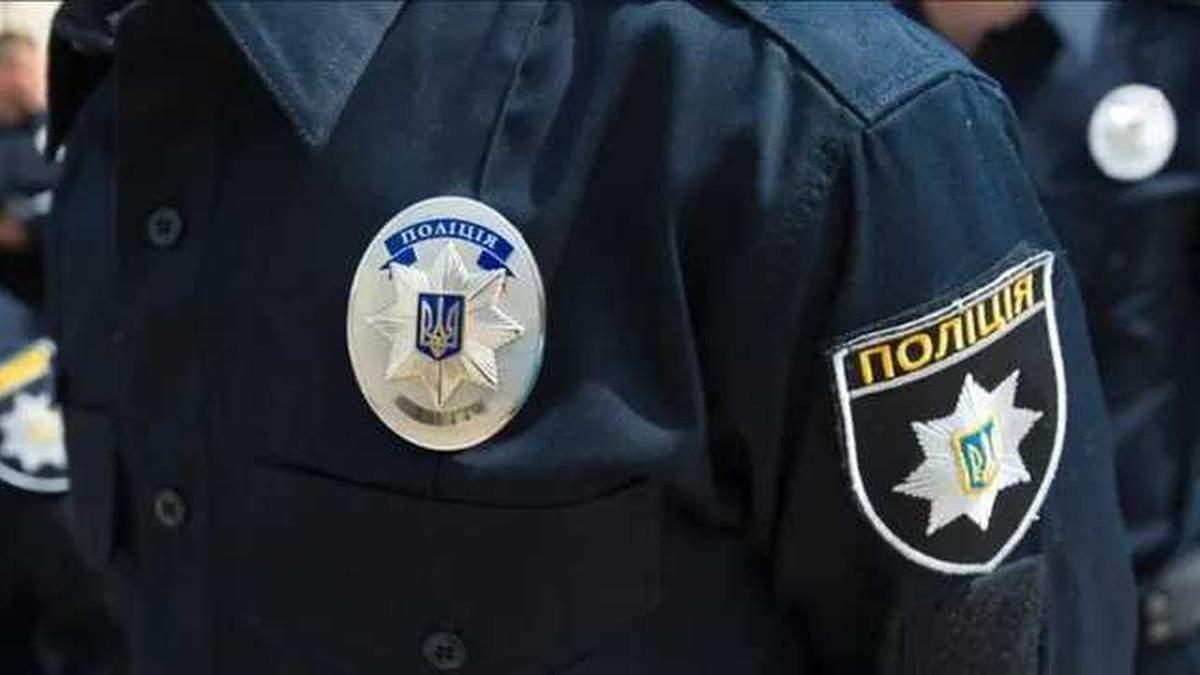 В Киеве менеджер Госрезерва зарезался канцелярским ножом
