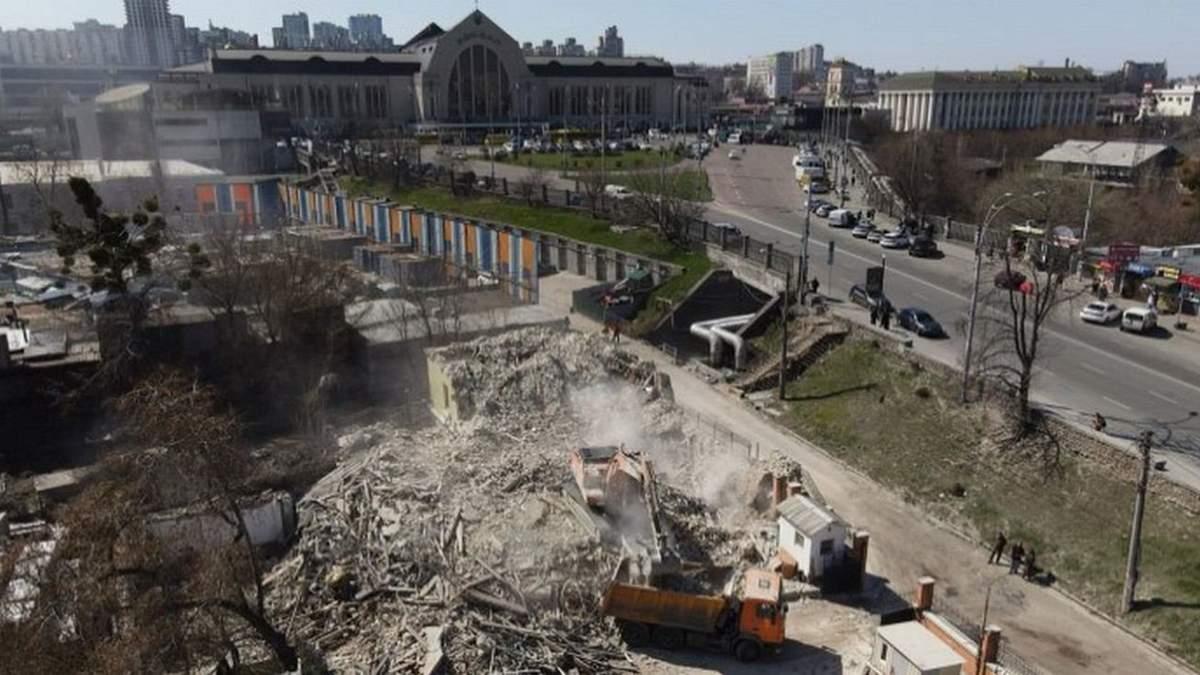 У Києві знесли історичний будинок Уткіна