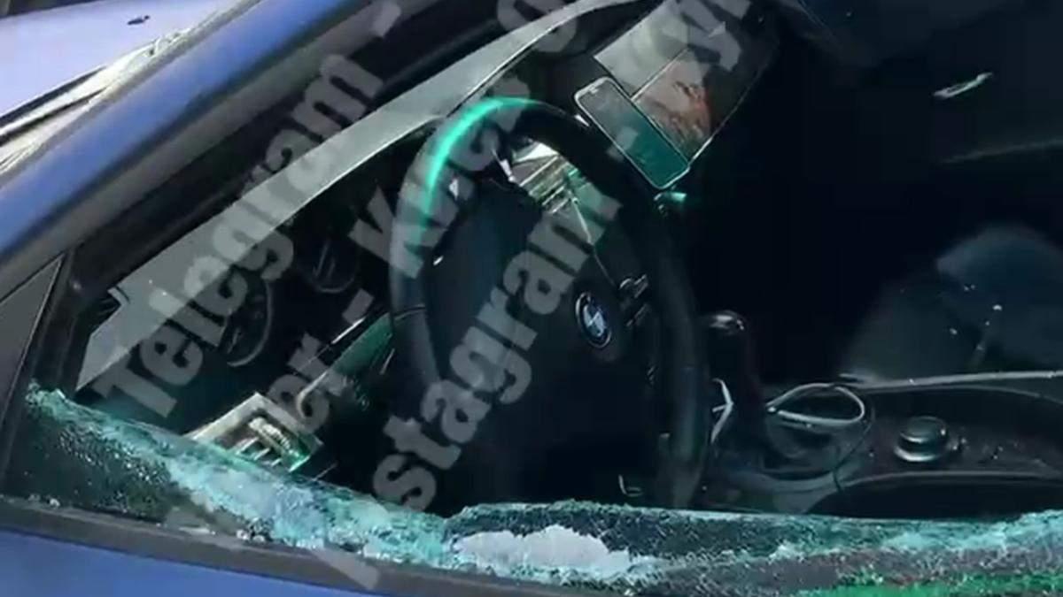 В Киеве на Глубочицкой неизвестные вытащили из BMW сумку с деньгами: там было более 2 миллионов