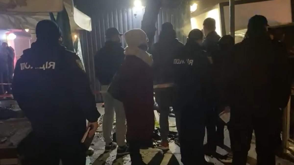 У Києві посеред вулиці вбили громадянина Азербайджану: відео з місця 18+
