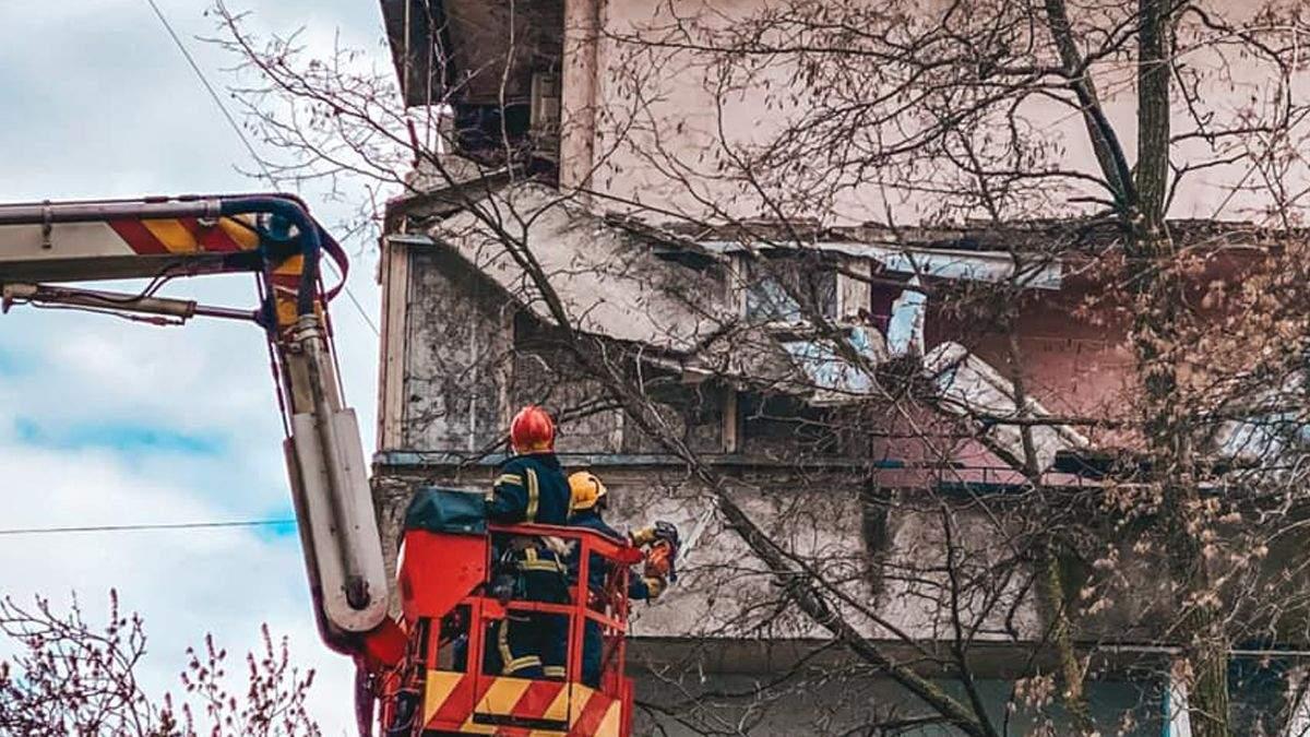 Обвал балконів у Києві: комунальники обвинувачують власника квартири