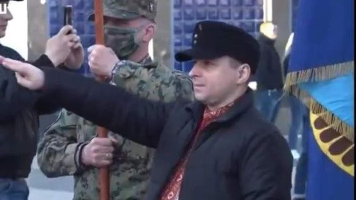 """Нацистський жест вирвали з контексту, –  учасник маршу на честь СС """"Галичина"""""""