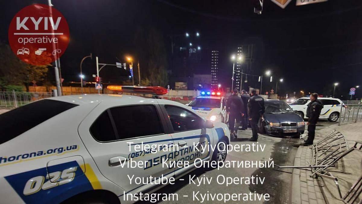 Скоїв ДТП і втікав: під Києвом затримали п'яного водія та його друга – фото