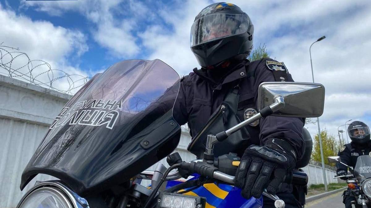 Наздоганятимуть кур'єрів: на вулиці Києва виїхав мотопатруль – фото
