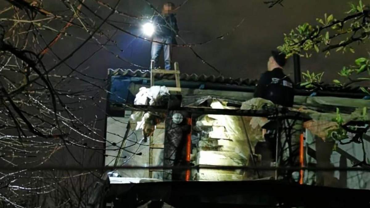 Порізав все тіло та стрибнув з висоти: в Борисполі патрульні врятували самогубця