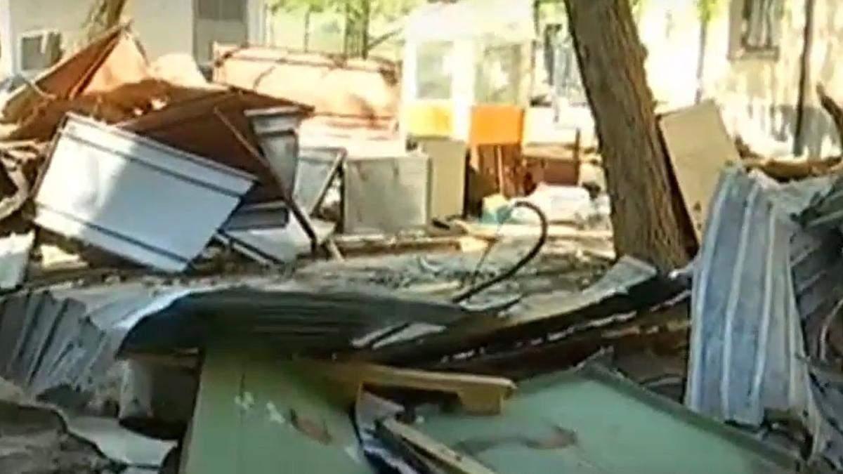 В Киеве на Сечевых Стрельцов, 59а титушки поламали гаражы