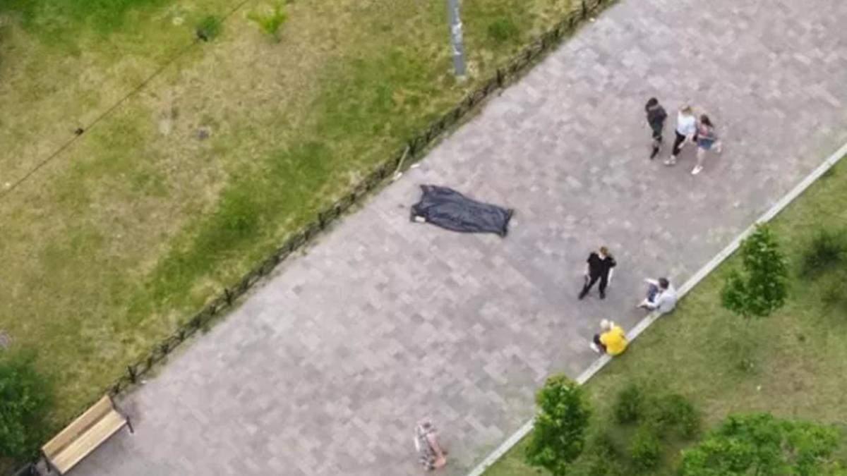 В Киеве не хватает машин, которые перевозят тела умерших на улице