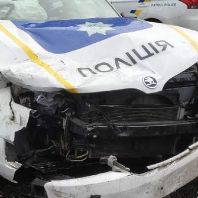 В Киеве патрульные попали в ДТП, когда ехали на место другой аварии – фото, видео