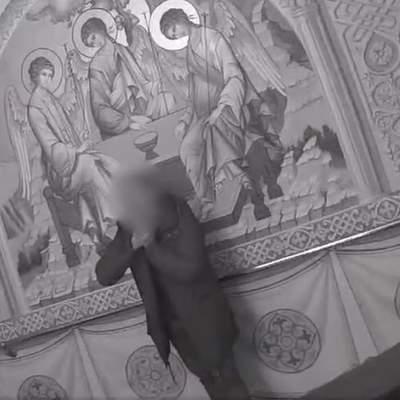 Копи у київській церкві врятували чоловіка від самогубства: відео
