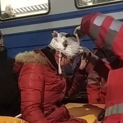 У мережі показали моторошні кадри стрибка 30-річної жінки під потяг на Київщині: відео 18+
