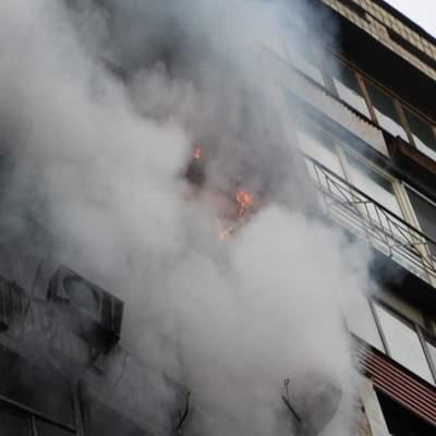 Люди выпрыгивали из окон: в Киеве горела многоэтажка – видео