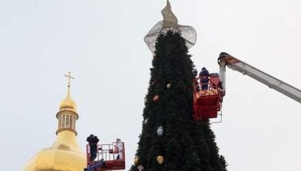 Капелюх на ялинці на Софійській площі замінять на зірку