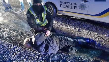 У Мукачеві відбулась стрілянина посеред вулиці: є постраждалий