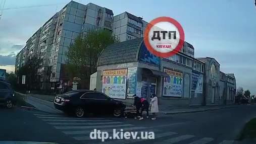 Убегал от копов и сбил 14-летнего парня: на Киевщине разыскивают водителя элитной Toyota – видео