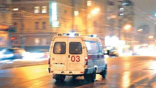 В Киеве автомобиль сбил блогершу: она сразу записала видео для инстаграма